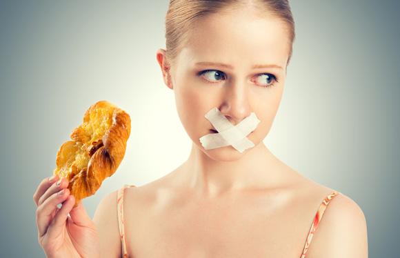 Se priver de nourriture pour perdre ces cinq kilogrammes en 7 jours