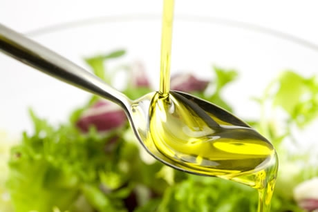 L'huile d'olive pour un apport en matières grasses sain