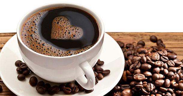 Boire du café noir fait-il perdre des kilos ?